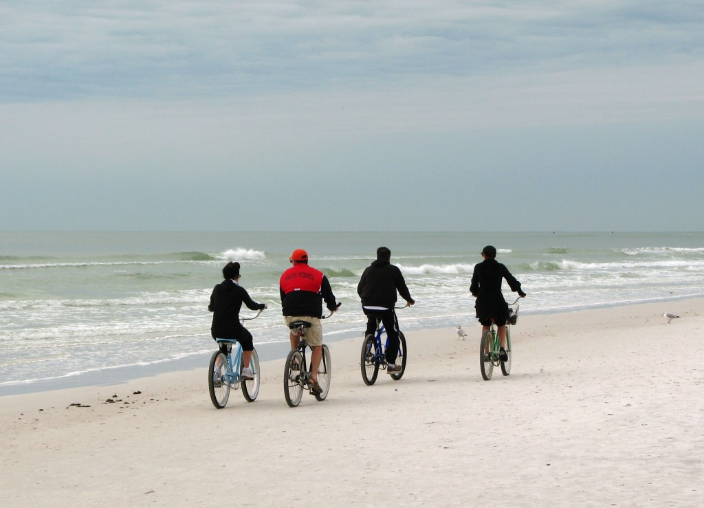 biciclete-pe-plaja_32778_20140713