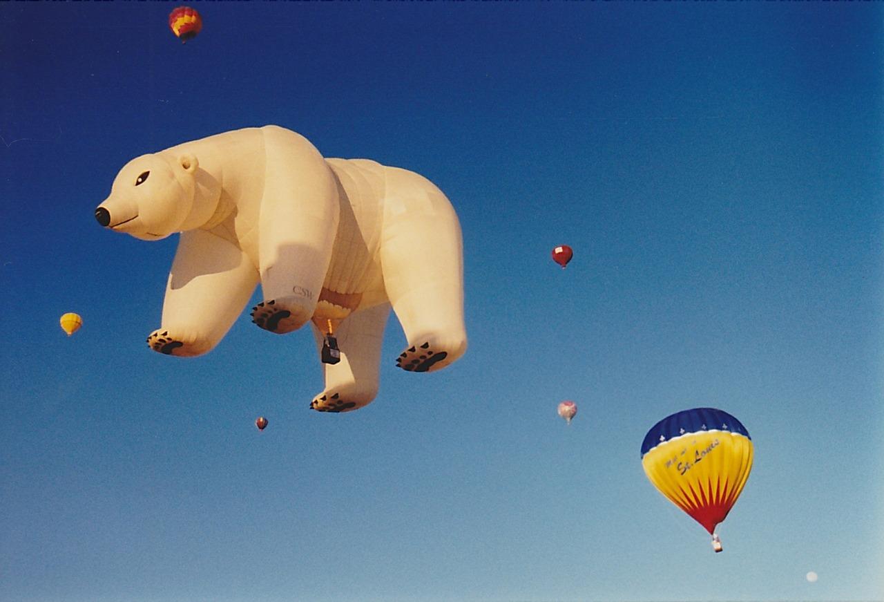 hot-air-balloon-616726_1280pixabay